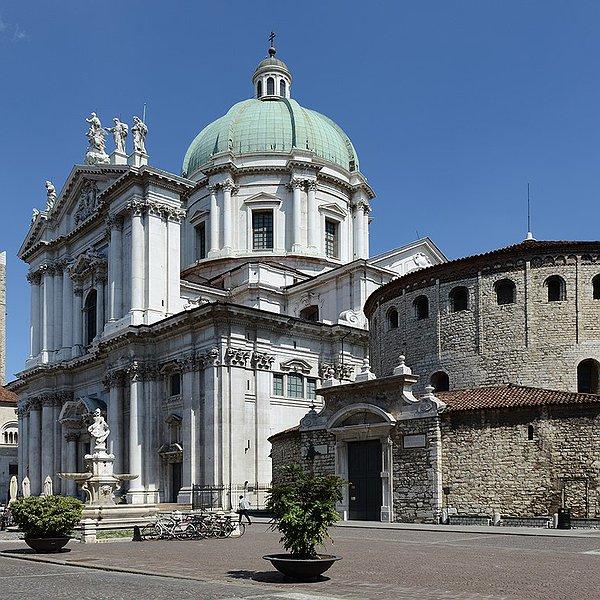 Brescia, Via Cremona